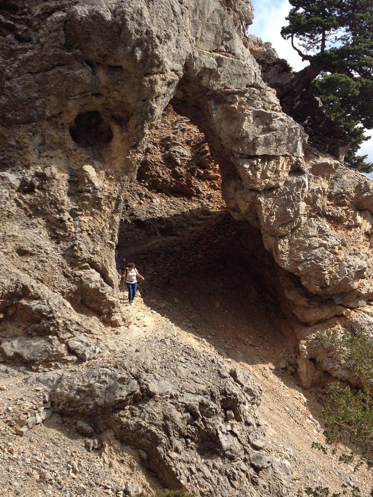 Hiking to Gigilos - White Mountains - Crete with dromolatis.gr