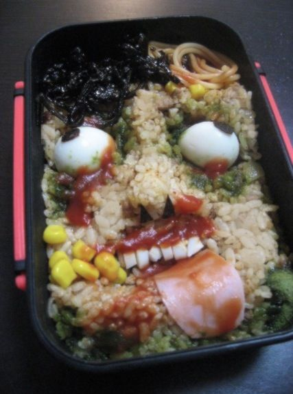 scary bento we've made 夏だけに「ホラー弁当」を作ってみたよ! 興が乗って3つも作っちゃったよ!食べたらちょっと涼しく…ならないですよね☆