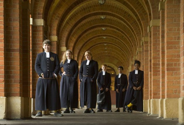 Private school pupils vote for tradition and uniformity