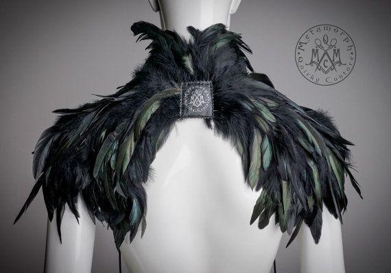 Noir épaule plume / plume haussement dépaules / haut moitié