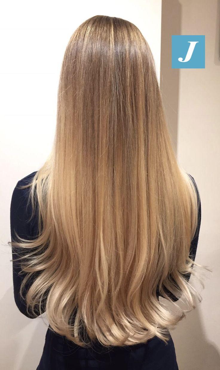 La magia indescrivibile del Degradé Joelle. #cdj #degradejoelle #tagliopuntearia #degradé #igers #musthave #hair #hairstyle #haircolour #longhair #ootd #hairfashion #madeinitaly #wellastudionyc