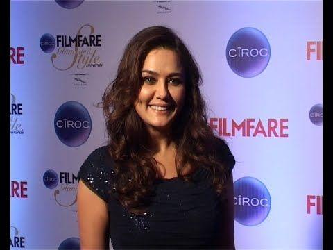 Preity Zinta at Filmfare Glamour & Style Awards 2015.