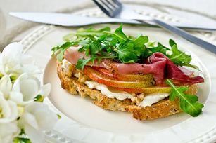 Bistro Pear & Prosciutto Sandwich