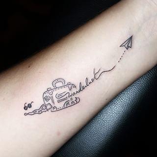 Este dibujo adorable: | 41 Tatuajes perfectos para cualquiera que ame viajar Wanderlust = pasión de viajar
