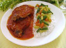 Cotelettes de porc avec sauce.. Super bon, j'utilise parfois la sauce pour faire sauter des saucisses italiennes dans une poêle!