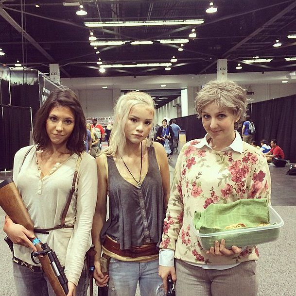 Maggie, Beth, and Carol are ready to kick some serious butt at WonderCon. With cookies. / Walking Dead cosplay