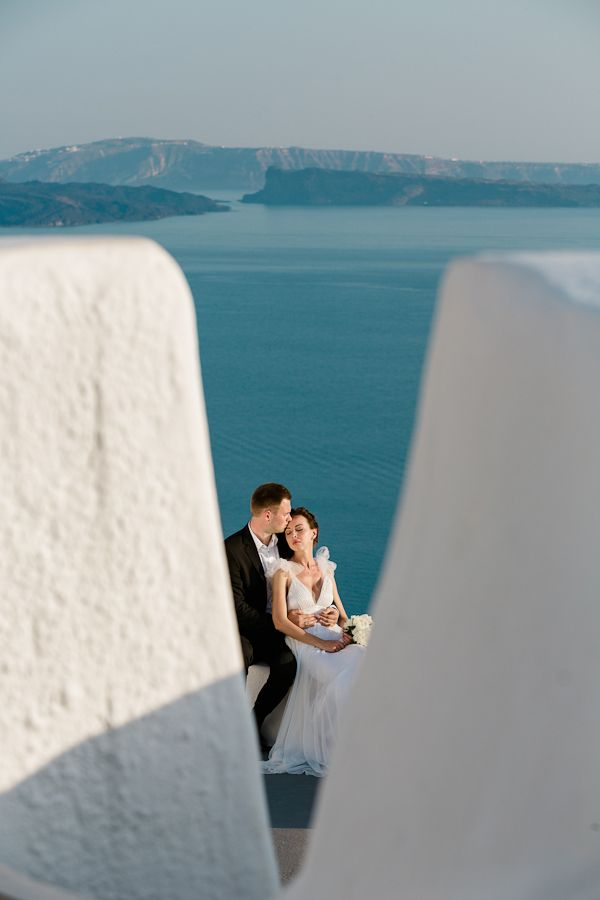 Gorgeous wedding in Santorini captured by Vangelis Photography See more here: http://www.love4weddings.gr/santorini-wedding/ #santoriniweddings #weddngsinGreece #santorinigreece #summerweddingideas