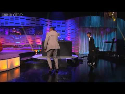 Will Smith and his son rap The Fresh Prince of Bel-Air 17 years after the show's finale... with surprises! Watch!