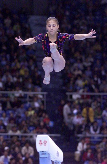 Andreea Raducan--absolutely love this jump
