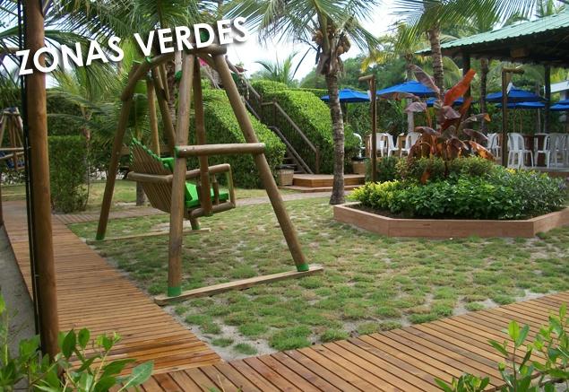 Ven y disfruta de las Zonas verdes que te ofrece nuestro centro vacacional.