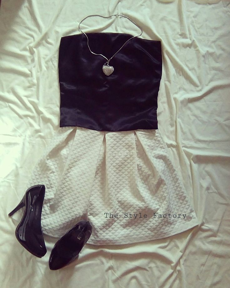 Skirt with box pleats and the corselette  // thestylefactory.pl //