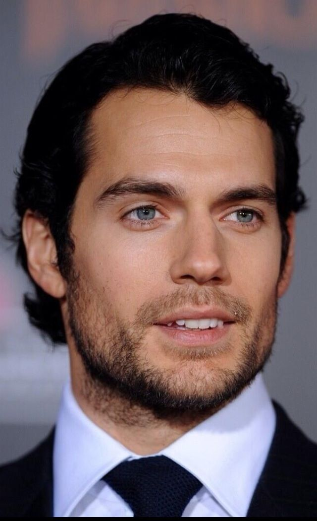 Mr Blue Eyes! Henry Cavil