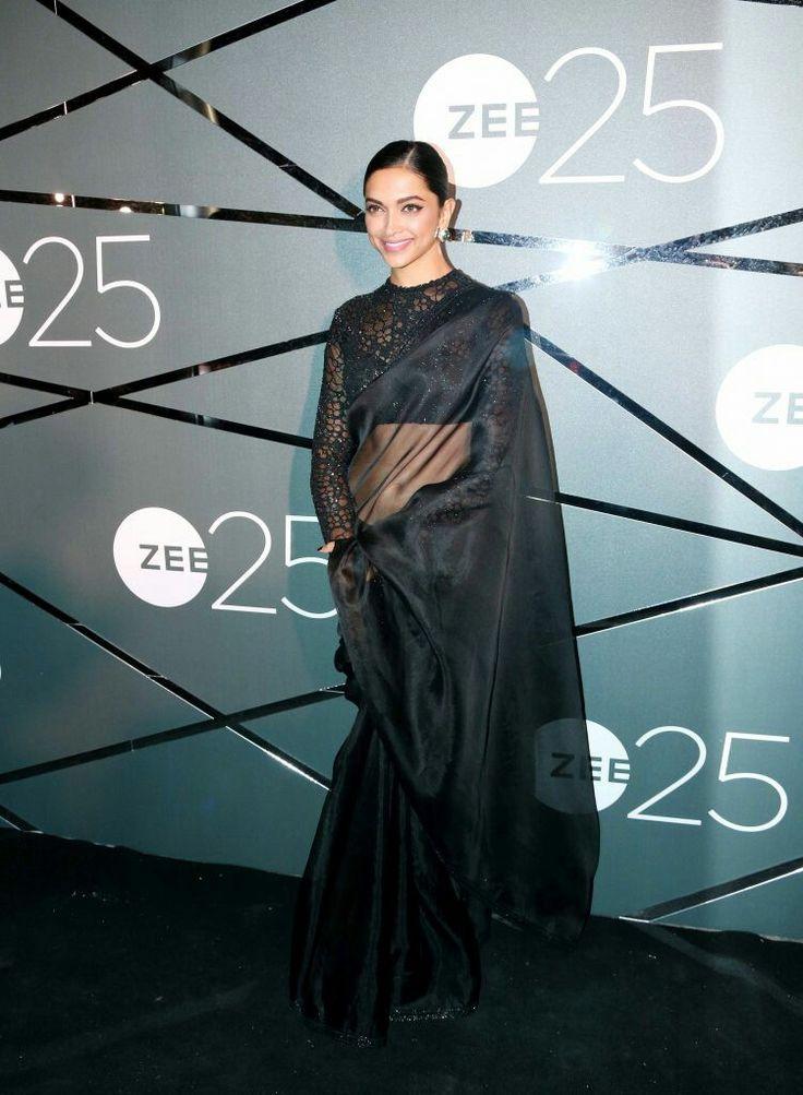 Bollywood actress Deepika padukone in black saree at zee 25
