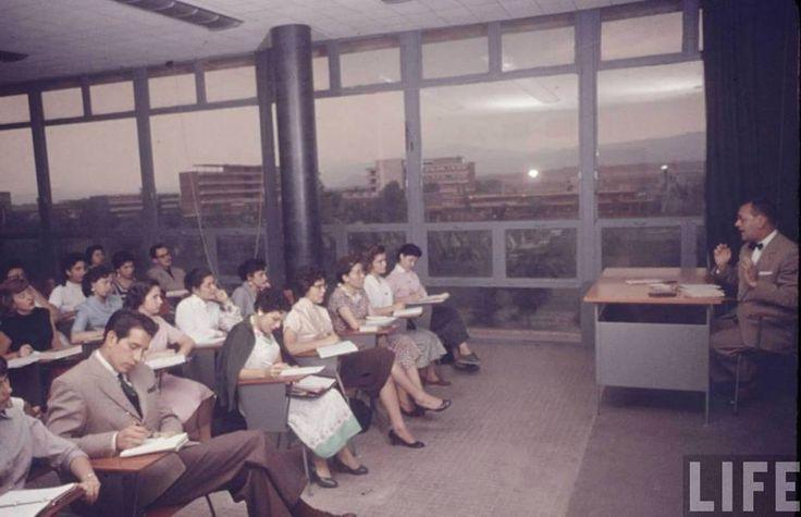 """Cd Méx en el Tiempo on Twitter: """"En la Facultad de Filosofía y Letras de la UNAM a finales de los años cincuenta: https://t.co/yMxu5tImek https://t.co/M0NW4N2OkJ"""""""