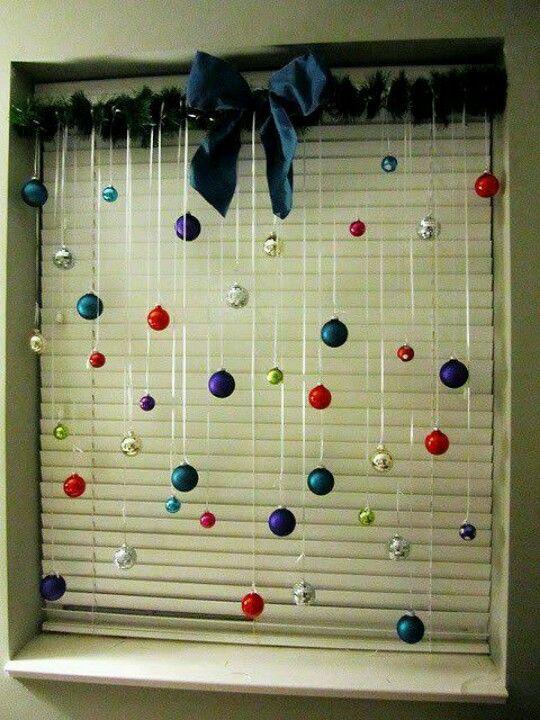 Window décor - get the baubles out