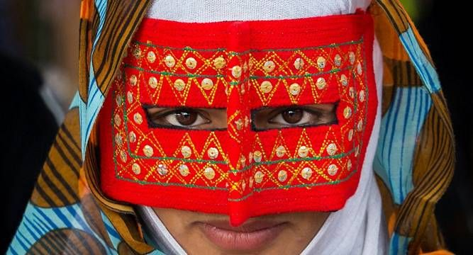 The beautiful #Iranian women captured in their boregheh masks