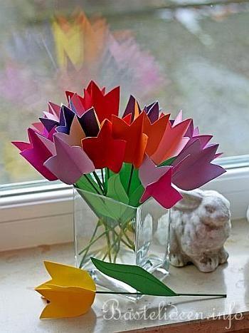 Frühlingsbasteln mit Papier - Papier-Tulpen 3