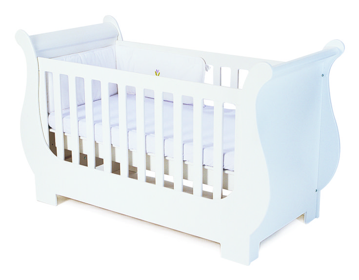 Our classic Sleigh cot is an all time favourite with its specially moulded sleigh curves and shape.