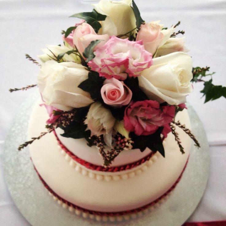 Wedding Cake for a Vintage Pink Wedding
