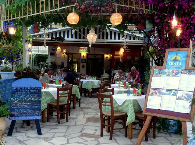 Travel and Lifestyle Diaries Blog: Nydri, Lefkada Island (Greece): Excellent Greek Dinner of Mezze, Swordfish, Keftedes (Meatballs) and Fried Chicken at Trata Restaurant