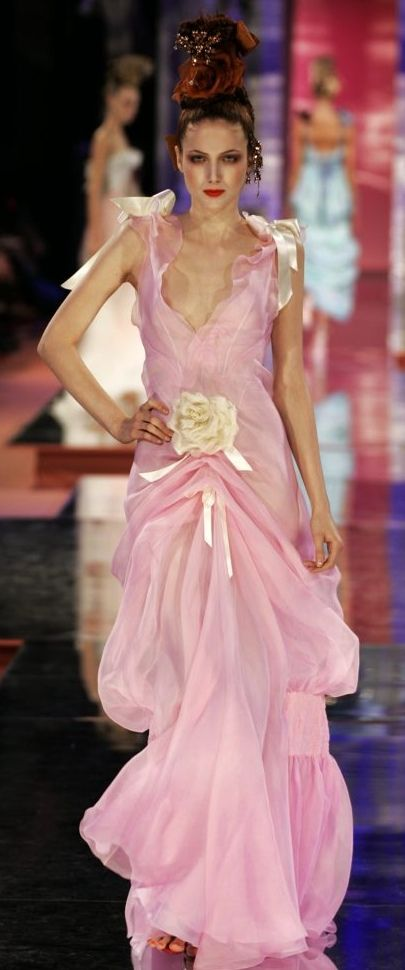 2005 christian lacroix haute couture spring summer for Couture vs haute couture