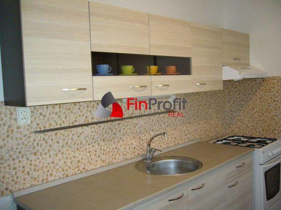Ponúkame na prenájom 2 izbový zariadený byt v Nitre na Klokočine