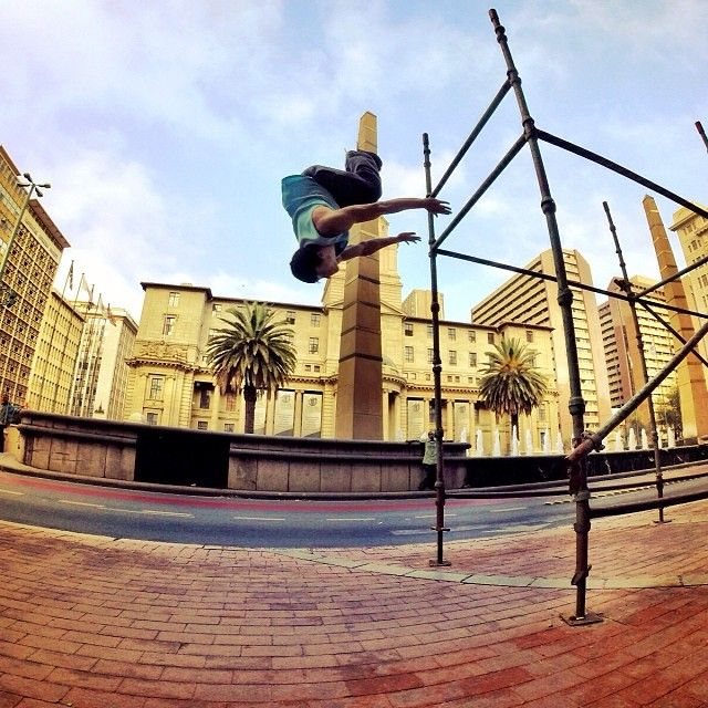 Back Flip Dismounts in Johannesburg City Central