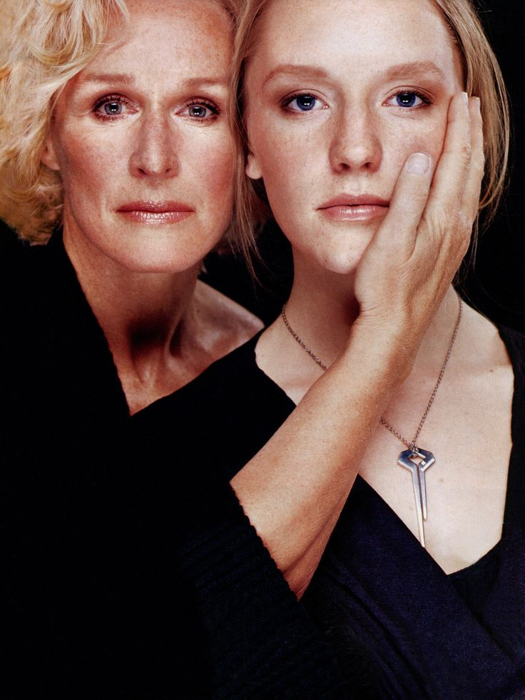 Glenn Close & daughter Annie Starke . mother & daughter together.... how she cups her face. in that i can feel the protection & love. such a small gesture of love but awfully powerful.