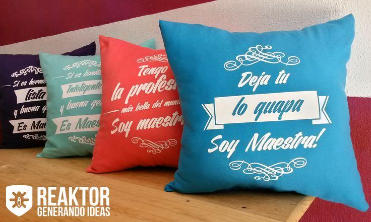 Almohadas estampadas con vinil textil vintage