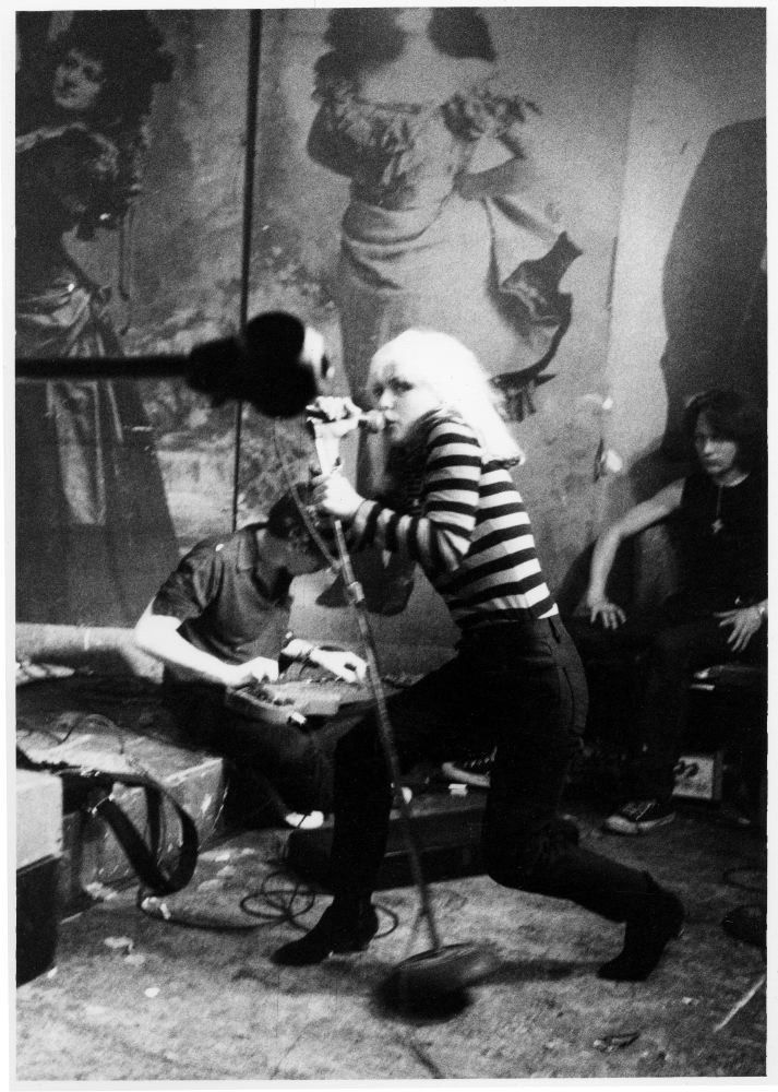Blondie performing (1977). | 17 Awesome Photos That Captured CBGB's Iconic 1970s Punk Scene