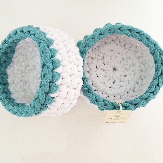Set of 2 mini crochet WHITE baskets-aquamarine crochet by Quembec