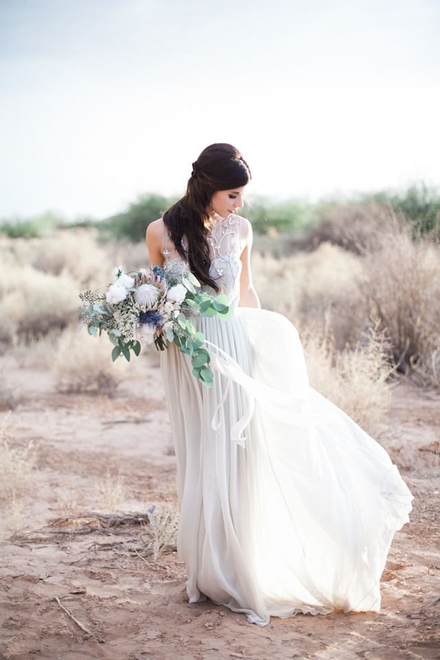 Alexandra Grecco wedding dress | Jenny Ostenson Photography | see more on: http://burnettsboards.com/2015/11/boho-chic-desert-wedding/