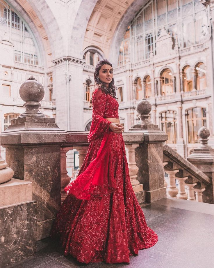 The famous blogger, Masoom Minawala, picks gorgeous clothes for bridesmaids, sisters of the bride/groom and wedding guests all over the country!