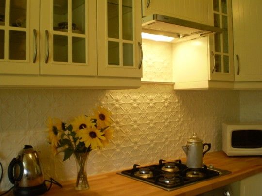 Pressed tin panel splashbacks Love this, but would like to cover it in glass to make it more practical!