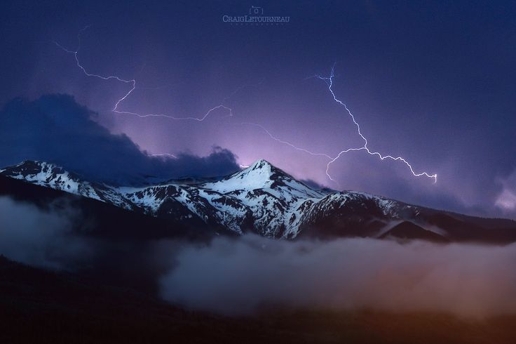Lightning over Mt.McKirdy by Craig Letourneau on 500px
