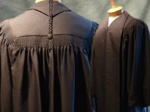Como ganar dinero por internet con un sitio de venta de ropa para jueces