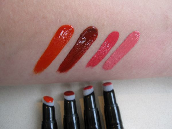 Ellis Faas Hot Lips Swatch I like the applicator and the second color from the left
