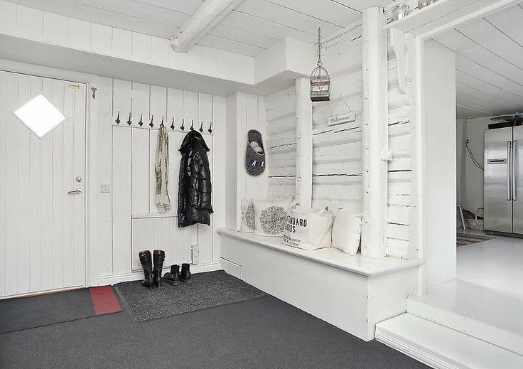 byrå spegel hall ~ hus no 38  att bygga hus hall  vit inspiration  hus