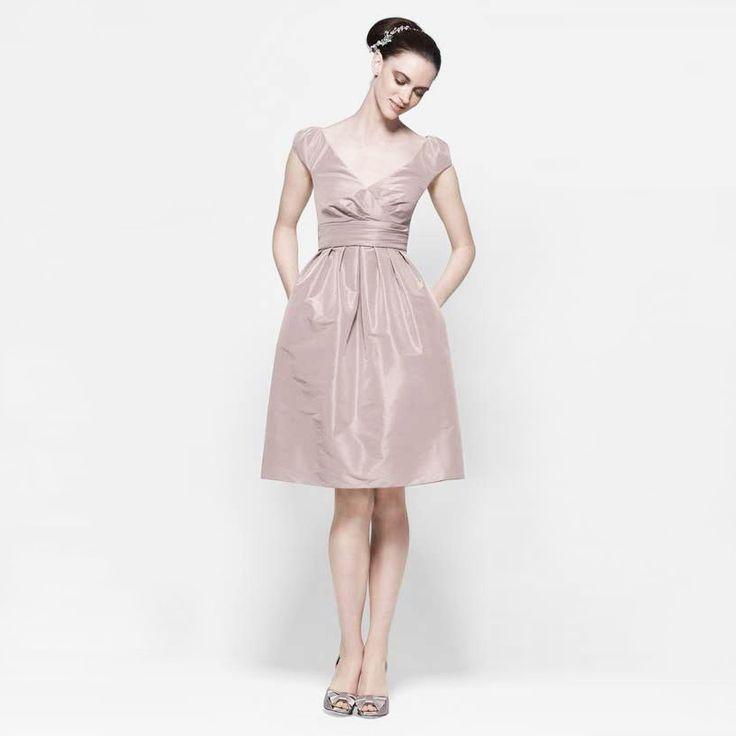 ブライズメイド・フロストデュポンキャップスリーブドレス。ガーデンに映えるピンクのブライズメイドドレス。  #Bridesmaid #Dress #Pink #Wedding