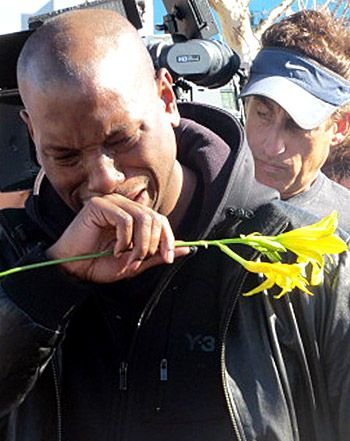 Paul Walker Death: Tyrese Gibson Breaks Down in Tears at Crash Site - So sorry for your loss Tyrese :(