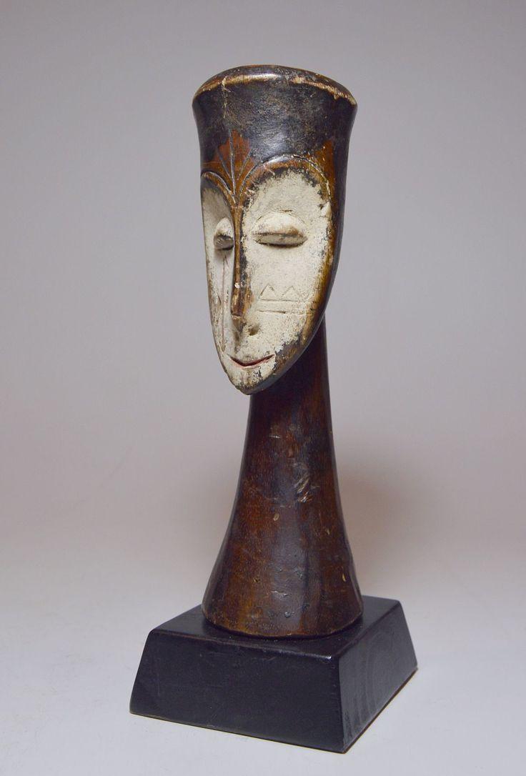 Fang Sculpture