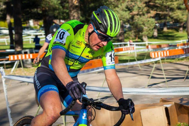 Look good, ride fast! Garneau-Easton's custom kit is flashy and speedy.