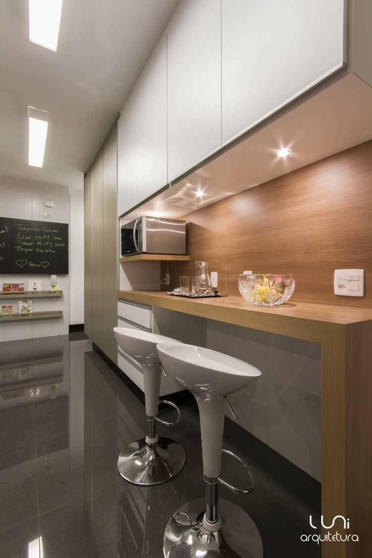 Apartamento Campo Belo / Luni Arquitetura #kitchen #cozinha #bancada
