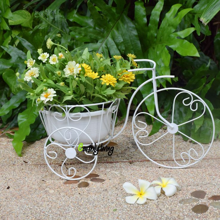 556 best images about planters on wheels on pinterest plant stands tricycle and wheelbarrow - Bicycle planter stand ...