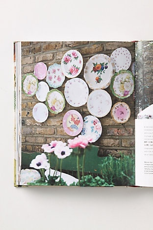 73 best wall displays of plates images on pinterest decorative plates dish sets and dishes. Black Bedroom Furniture Sets. Home Design Ideas