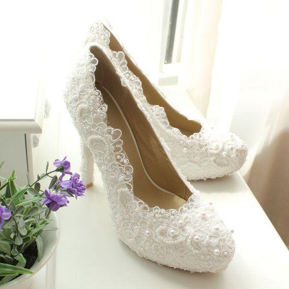 Chaussures De Mariage Blanc Ivoire Dentelle Par Uniqueweddingdress 129 99 C Est Celle Que