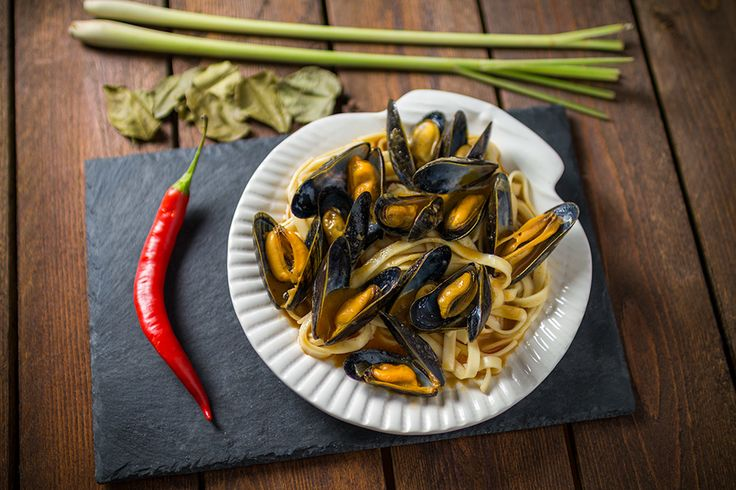 Thai style mussels in red curry sauce. Easy sea food recipe.