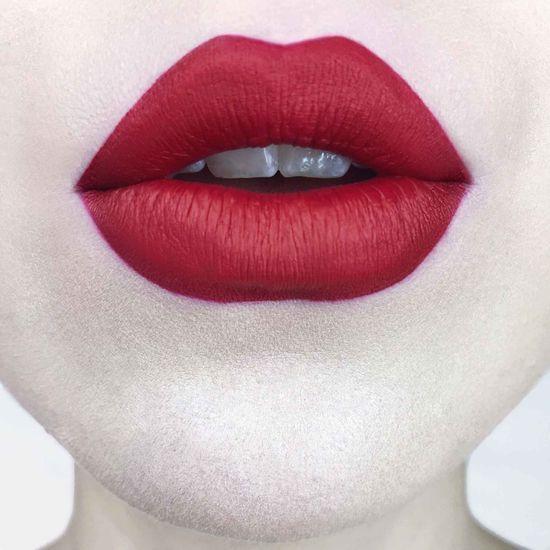 KAT VON D    Everlasting Liquid Lipstick - Underage Red