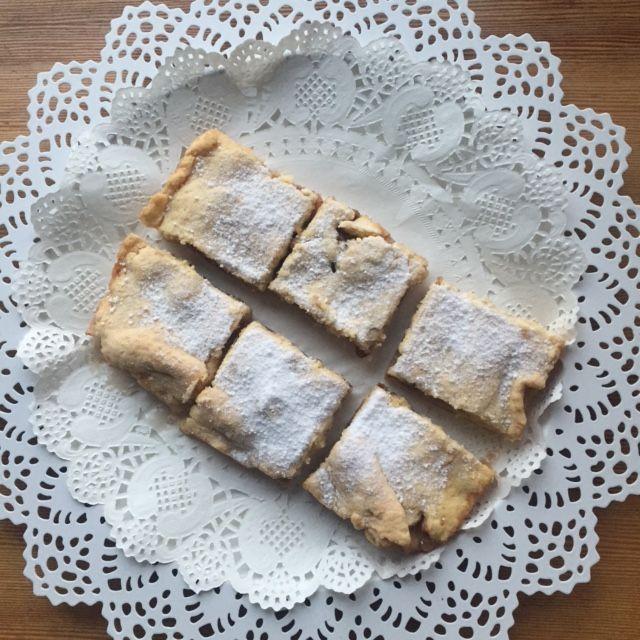 Apple cake recipe... Easy recipe for delicious cake... #siluetyogawear #madewithloveforyou #yoga