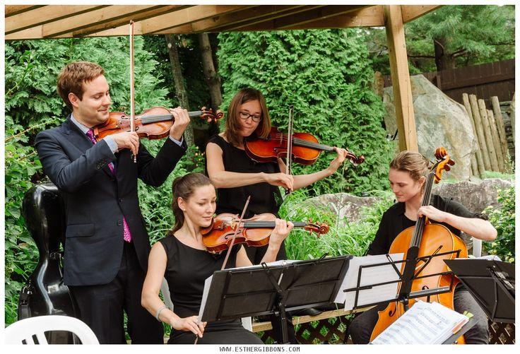 Outdoors wedding at Parc Jean-Drapeau